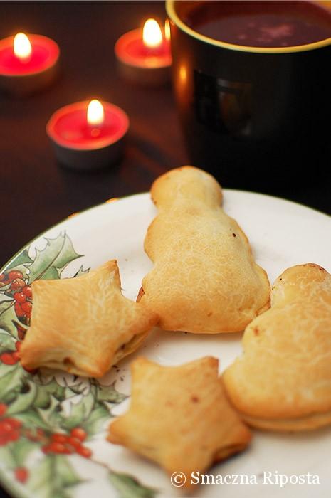 Pieczone pierożki z kaszą gryczaną