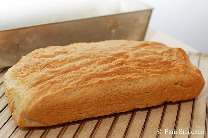 Pszenno-orkiszowy chleb jogurtowy