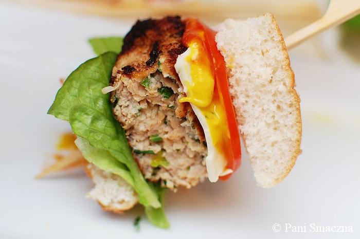 Burgery drobiowo-ziołowe