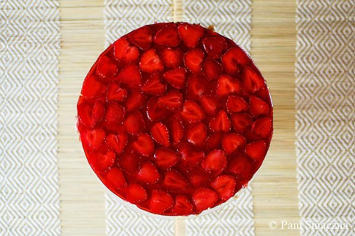 Pianka truskawkowa na biszkopcie z galaretką
