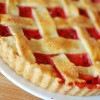 Tarta truskawkowo – rabarbarowa na kruchym, maślanym spodzie