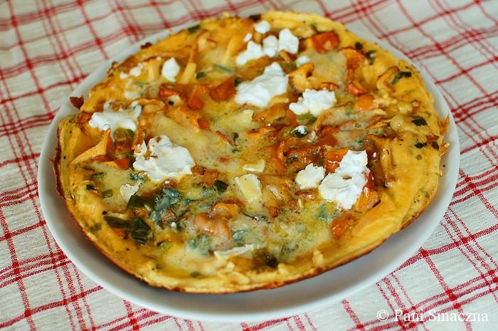 Omlet z kurkami i kozim serem