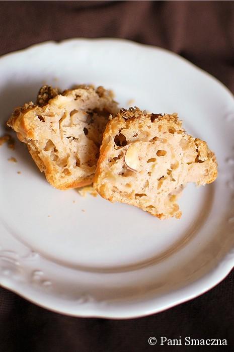 Muffinki szarlotki z syropem klonowym i kruszonką otrębową