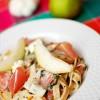 Tagliatelle z gorgonzolą, gruszką i szynką szwarcwaldzką