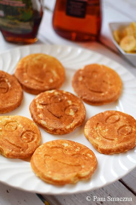 Drożdżowe maślankowe pancakes