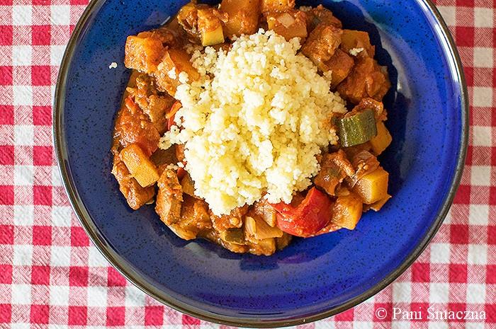 Orientalna potrawka dyniowa ze schabem w pomidorach