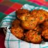 Serowe muffinki z boczkiem